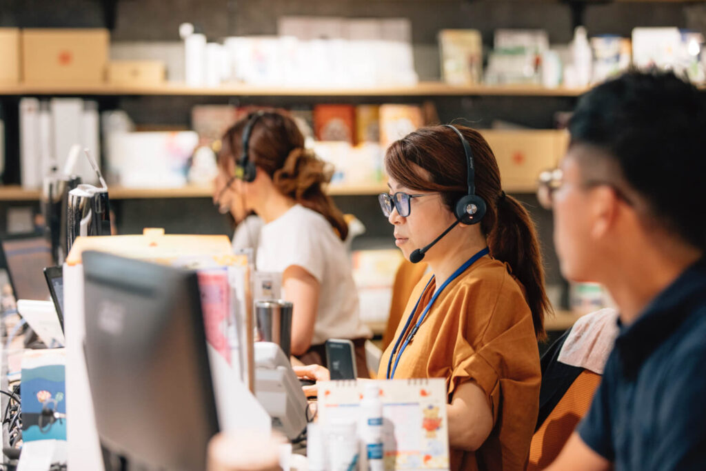 customer-service-02